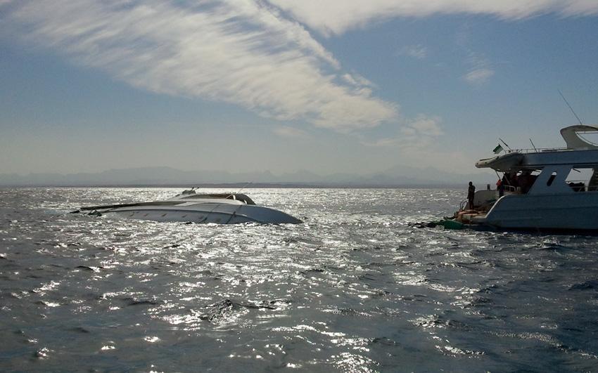 Потерпевший крушение корабль в Хургаде